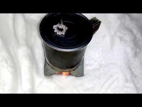 Снег...кипячу воду на чай на печке Esbit...
