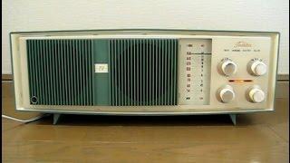 東芝の真空管ラジオかなりやESです。 発売は昭和34年頃、ツースピーカー...
