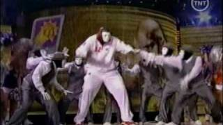 Shaq Dancing with the JabbaWockeez All Star