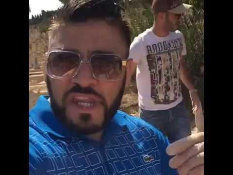 Choc ! un soutien gorge retrouvé dans un cimetière à Oran.