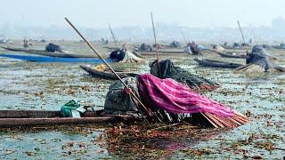 क्यों मछली पकड़ने वाले लोग ऐसे सिर ढक कर बैठते है Why Indian Fishermen Cover Their Head With Blankets