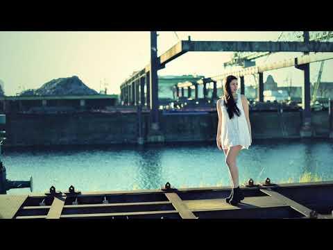 Halcyon - Runaway (feat. Valentina Franco)