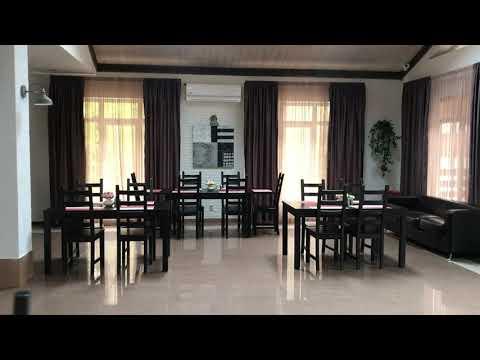 Кафе в отеле Каштан