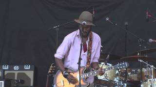 Gary Clark Jr. - Bright Lights (Dave Matthews Band Caravan Chicago 2011) [Live]