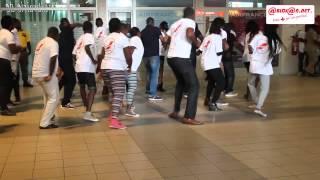 Flash Mob de Magic System à l `aéroport FHB