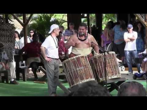 Hawaii Trip Japanese Tourist being unwittingly comical 1