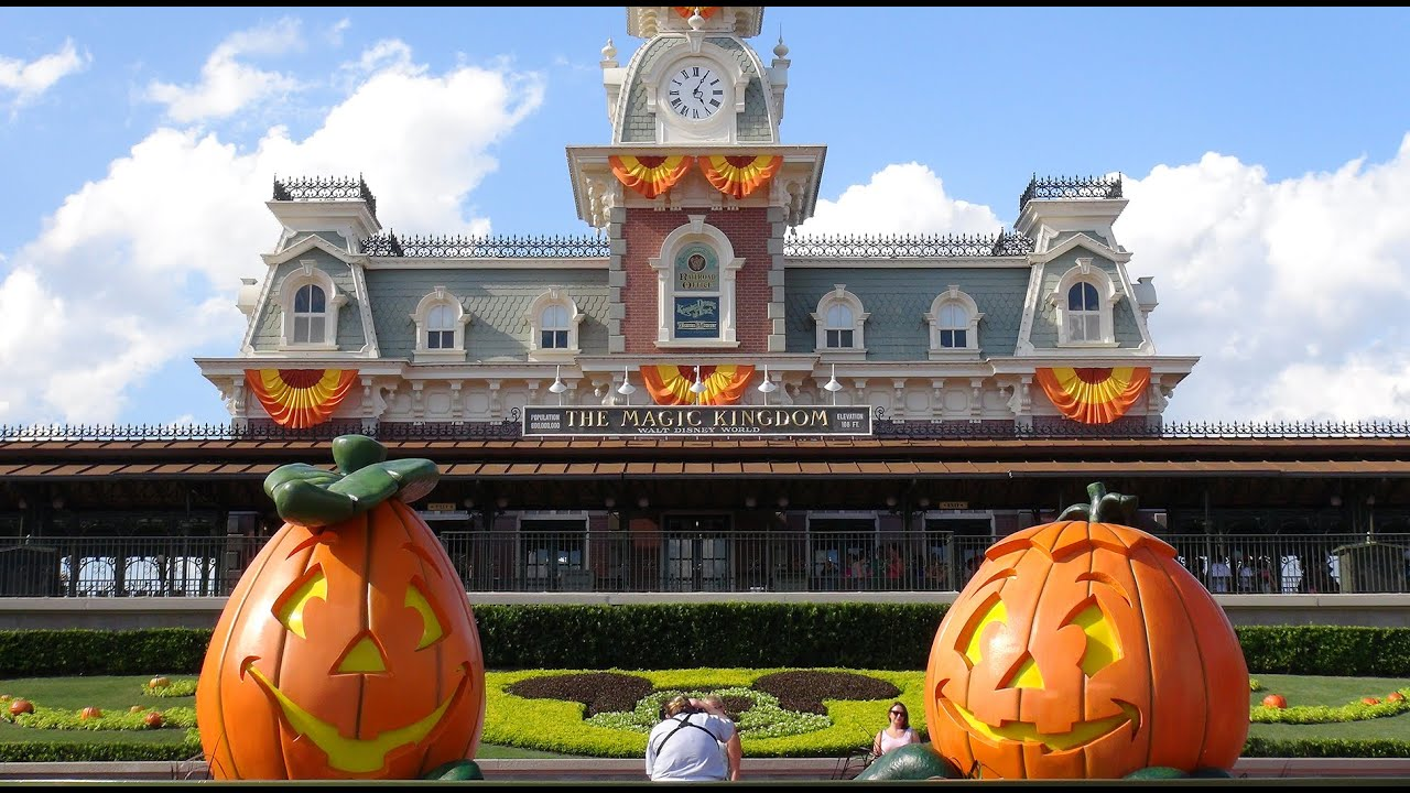 halloween 2014 magic kingdom decoration tour ambient sound disney world florida youtube - When To Decorate For Halloween