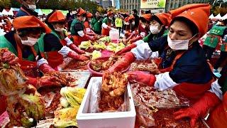 Тысячи южнокорейцев собрались на площади, чтобы готовить кимчи (новости)