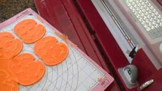 Cricut Cake Series Episode 2: Cutting Fondant