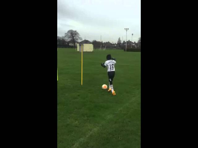 El pequeño George Shaw nos da una lección a todos de lo que es amar el fútbol