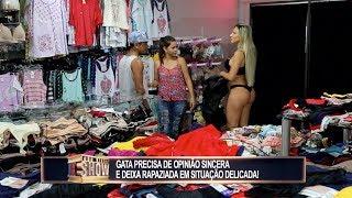 Gata exibe lingerie para sujeito casado e esposa fica uma fera