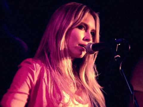 Sarah Carter Live: 'Money Man'