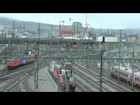 Impressionen im Bahnhof Zürich-Hardbrücke