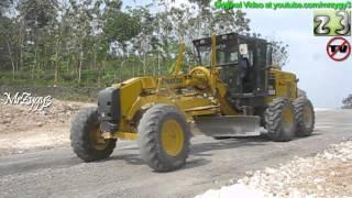 Motor Grader Komatsu GD555 Grading New Road