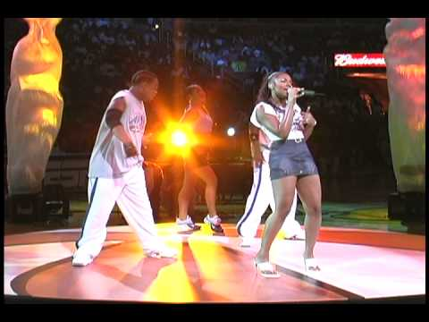 "Ashanti ""Happy""  Live"