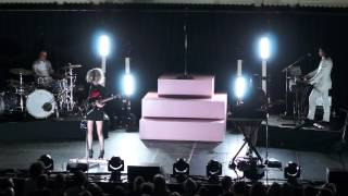 St. Vincent - Bring Me Your Loves, Live at Paradiso, Amsterdam, 15 February 2014