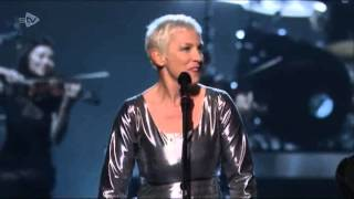 Annie Lennox sings Fool On The Hill