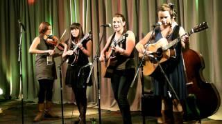 Della Mae - Muleskinner Blues / I