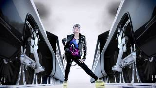 2NE1のI AM THE BEST のPVです。