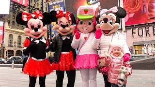 Funny Baby and Kid's Shopping in New York Toys and Nursery Rhymes Songs for kids