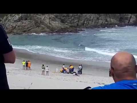 Muere un bañista en la playa de A Marosa
