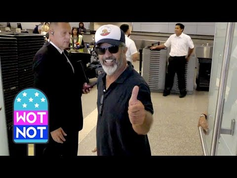 mel-gibson-best-mood-ever?-chatting-at-lax!