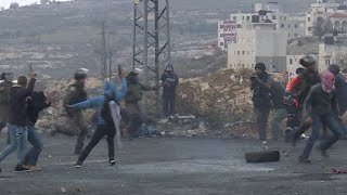 Dramatic footage catches undercover soldiers arresting Palestinian protesters