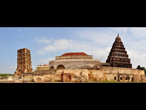 Thanjavur King:  of  King  RAJA  RAJA CHOLAN   PALACE AT TAMIL NADU , SOUTH INDIA