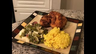 HOW TO MAKE FRIED SPICY FRIED CHICKEN WITH YELLOW RICE AND GREEN BEANS [2018]