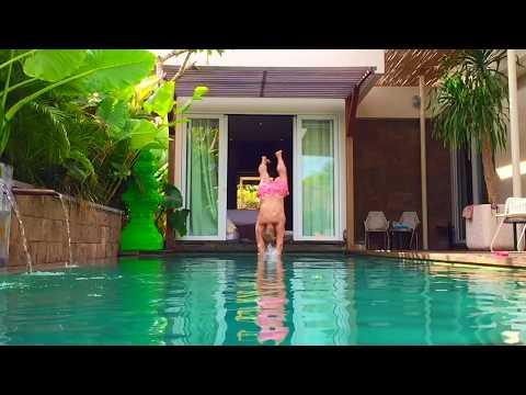 Huu Villas Penthouse dive