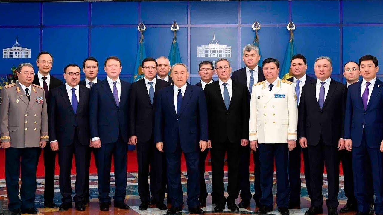 Государственных служащих Казахстана направят работать в села