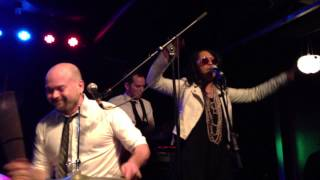 """Tortured Soul feat N'Dea Davenport  """"I Might Do Something Wrong"""" (Live at Vinyl)"""