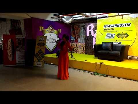 Devia Sherly di IM3 Nyasarkustik Ramadhan Lippo Mall Bogor Ekalokasari