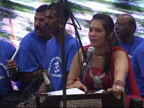 Sonam Bali & Jnr Pradeep Narayen Grand Kirtan Night 2012