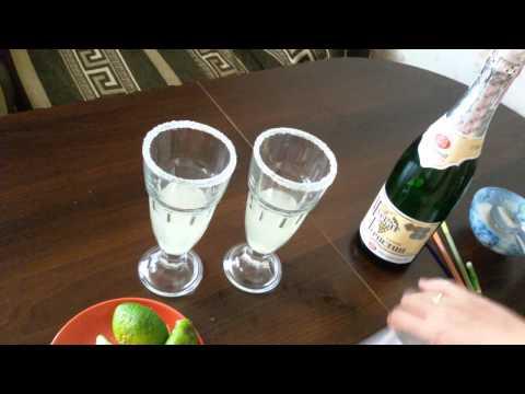 Рецепт Как сделать коктейль Северное сияние самому дома  видеорецепт и состав
