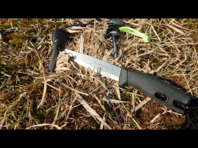 New Ferro Rod Striking Method   Bushcraft by NW Primate