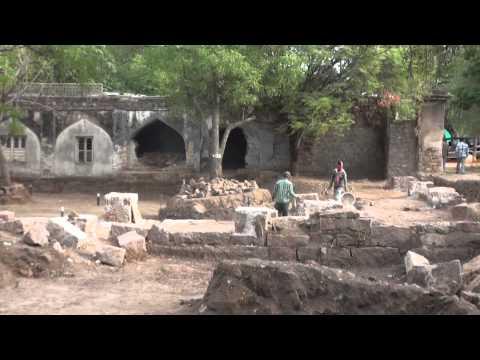 Masjid, Tunnel, Summer Palace discovered at Qutub Shahi tombs