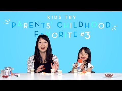 Suvi Tries Her Moms Favorite Childhood Snack | Kids Try | HiHo Kids