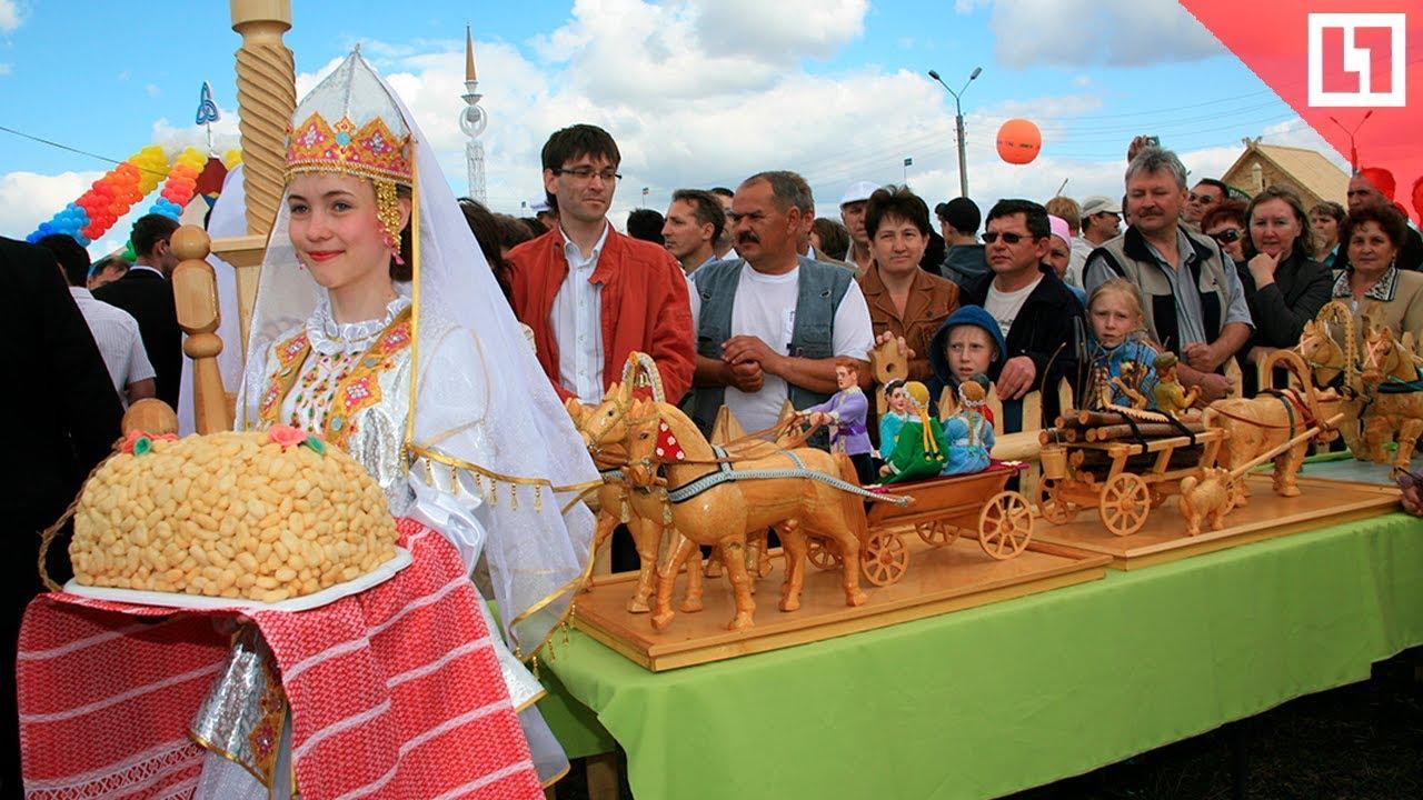 Гигантский чак чак на Сабантуе в Москве