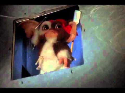 Gremlins 2- Gizmo Vs. Mohawk (Spider-Gremlin) - YouTube