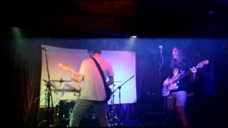 Турецкие рокеры  в Одессе исполнили Мама Анархия(Турецкая рок-группа из Стамбула «Deli Gömleği» исполнила в Одессе песню Виктора Цоя
