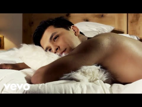 Christian Nodal - Eres (Video Oficial)