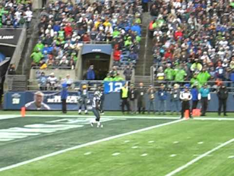 Leon Washington kickoff return for 35 yards