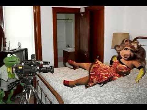 Miss piggy.wmv_ from YouTube · Duration:  4 minutes 30 seconds