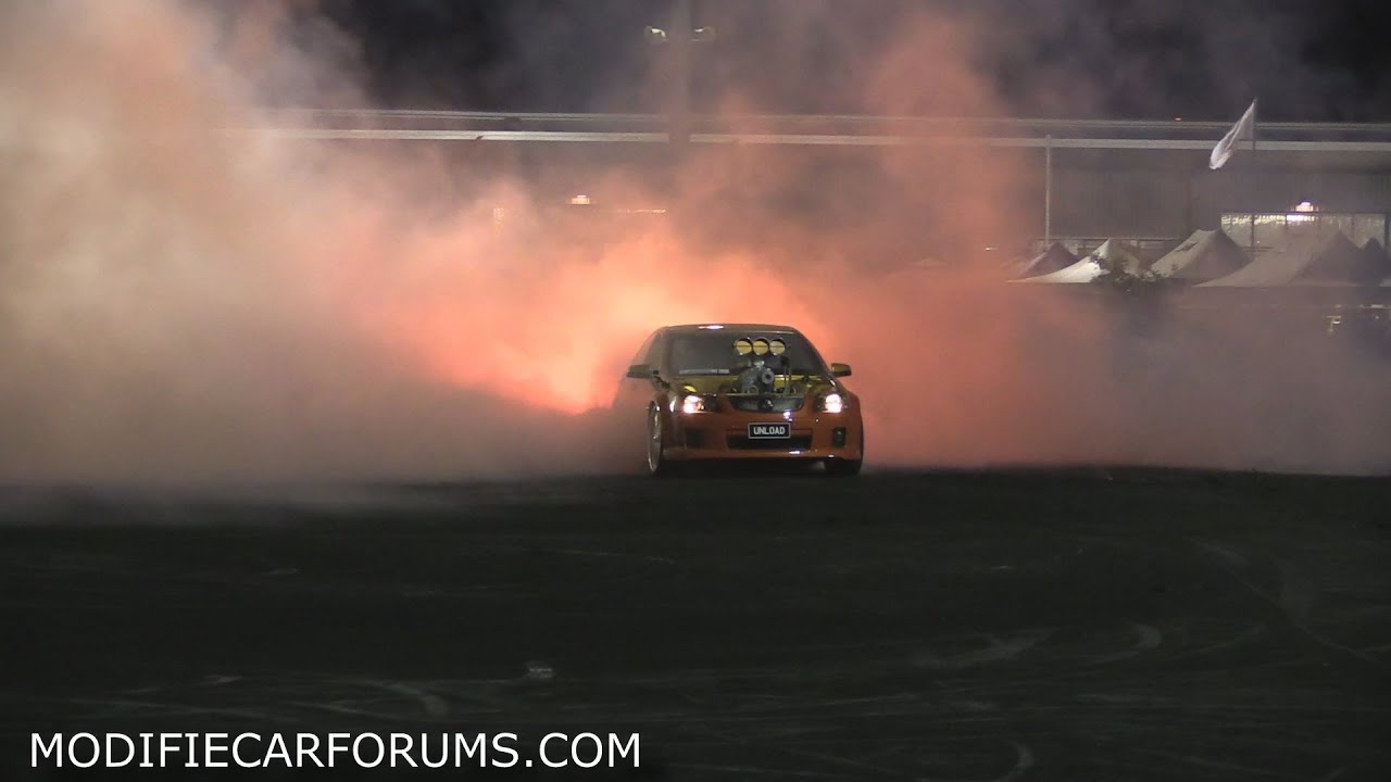 Drifting burnout boobs out video