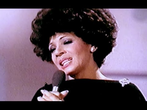 Shirley Bassey - If You Go Away  / Rod McKuen - Love's Been Good To Me (1976 Show #6)
