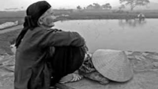 Cõng mẹ đi chơi ( Trần Quế Sơn ) - Quang Linh