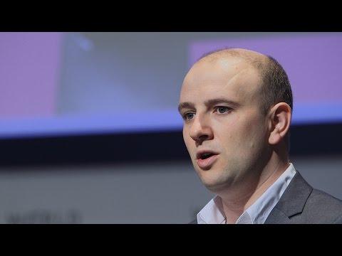 Reconstructing biology to create designer cells   Thomas Ellis