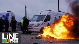 Les ambulanciers crient leur colère devant l'Assemblée Nationale / Paris - France 03 décembre 2018