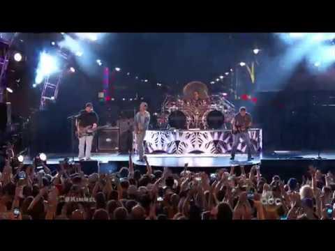 Van Halen - Hot For Teacher (Hollywood Boulevard) Jimmy Kimmel Live
